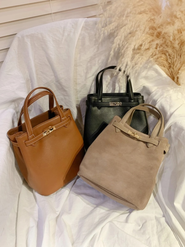 Classic mini leather bag(キャメル)